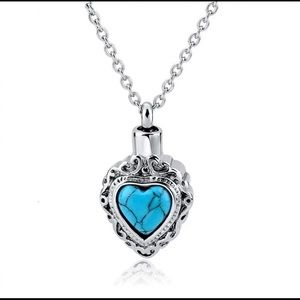 💍 Turquoise Heart Diffuser Necklace